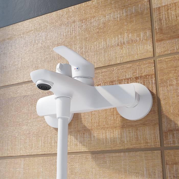 Фото Смеситель для ванны матовый, IDDIS Ray RAYWT02i02, белый 2