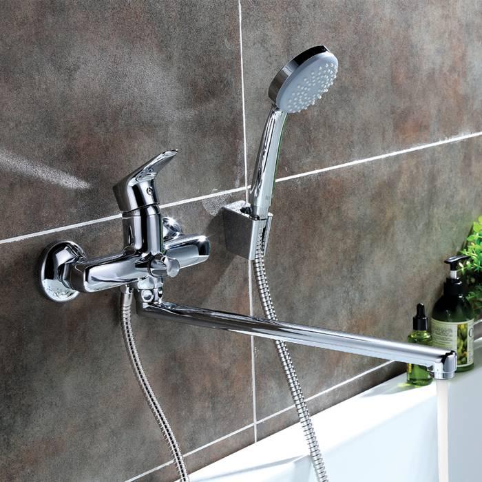Фото Смеситель для ванны с длинным изливом с керамическим дивертором IDDIS Zodiac ZODSBL2i10 2
